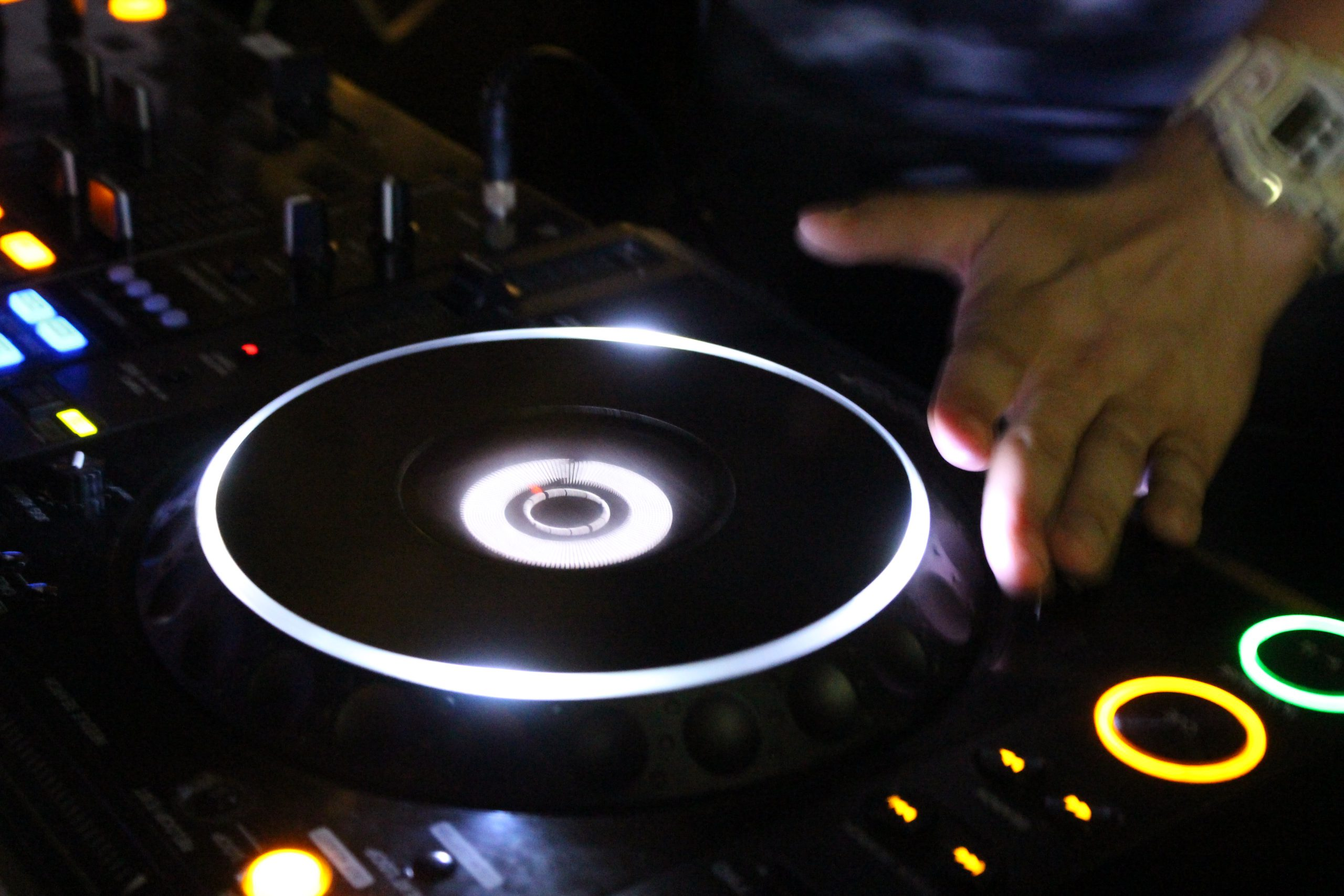 een DJ Boeken